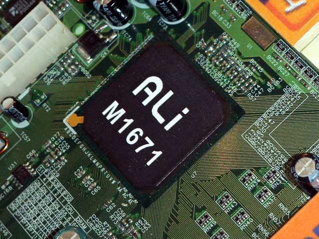 ALi M1671