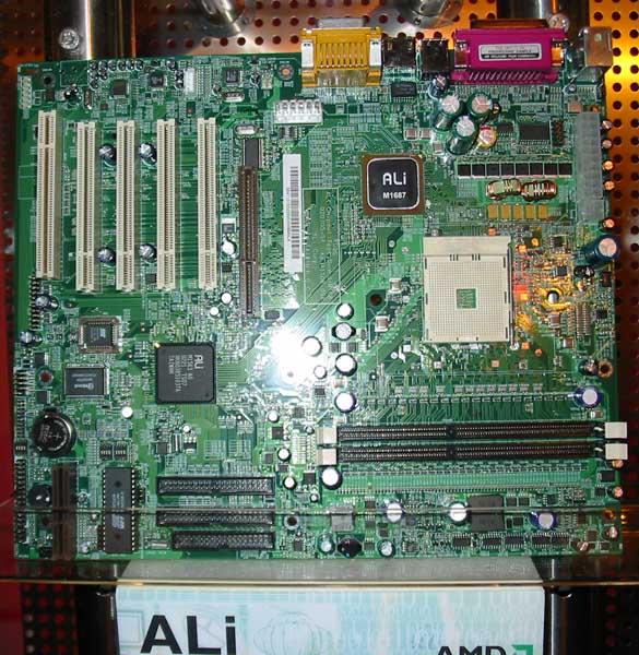 ALi M1687/M1563 Hammer-Mainboard