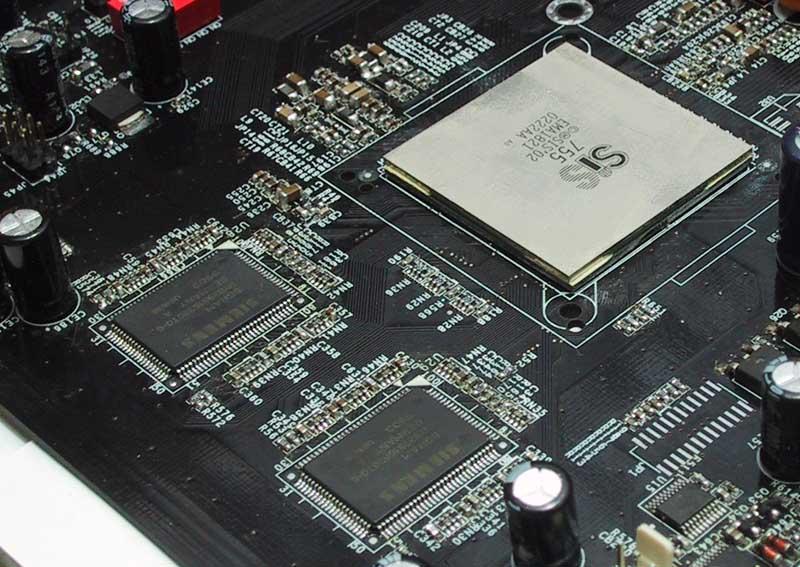 Separater Framebuffer neben SiS755, Quelle: Anandtech.com