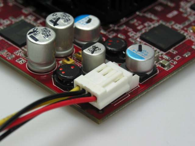 Sapphire Radeon 9700 Stromanschluss