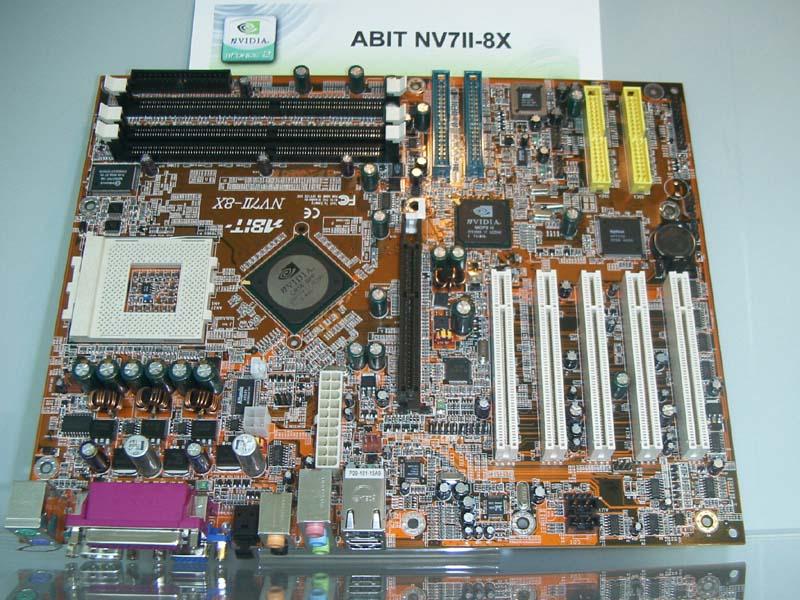 nForce2 Mainboard Abit NV7II-8X mit ATX12V-Anschluss