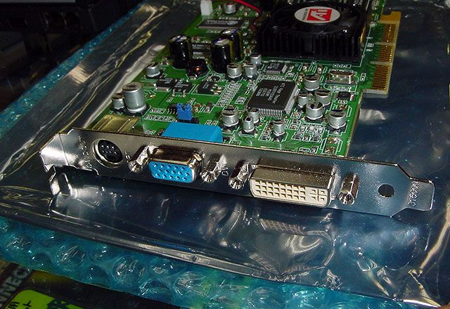 Radeon 9100 Anschlüsse