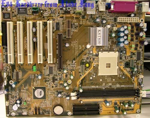 VIA K8T800 Referenz-Mainboard