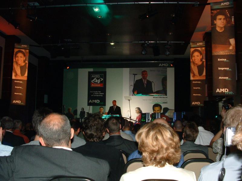 AMDs Henri Richard führte durch die Veranstaltung