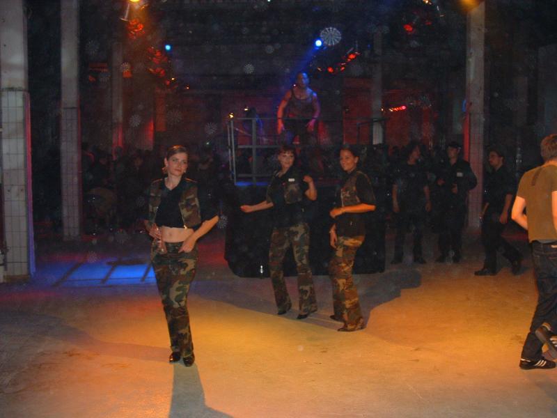 Anwesendes Militärpersonal...