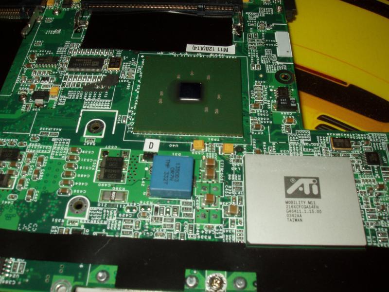 ATI Mobility Radeon 9700 (M11) onboard