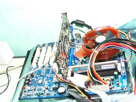 Test-Setup von HKEPC mit Athlon 64 3400+ 'CG'