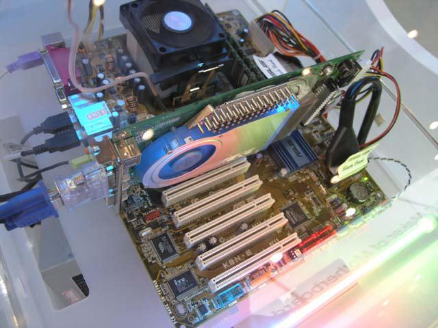 ASUS V9999 (GeForce 6800 Ultra) auf der Computex