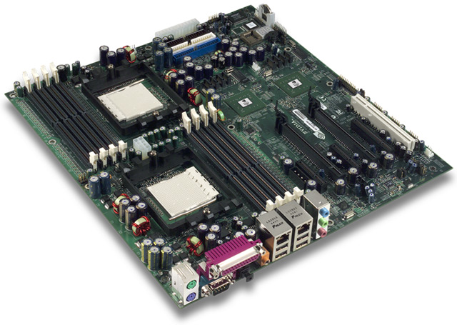 nVidia nForce Prof. Referenzmainboard für zwei Opteron