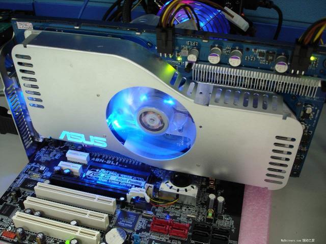ASUS Dual-Chip GeForce 6800 GT