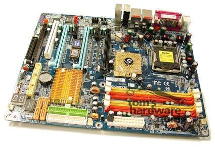 Gigabyte GA-8N-SLI Quad (Bild von Tom's Hardware Guide)