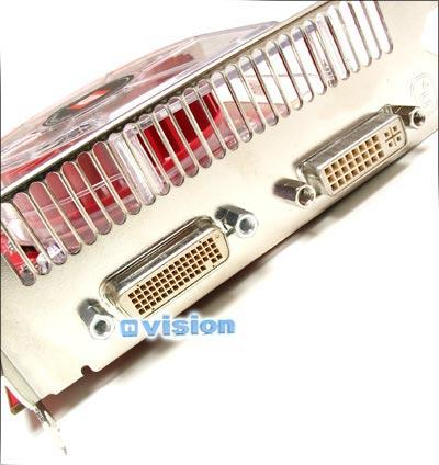 Zum Vergleich: Zwei DVI-Ports einer Radeon X850 CrossFire
