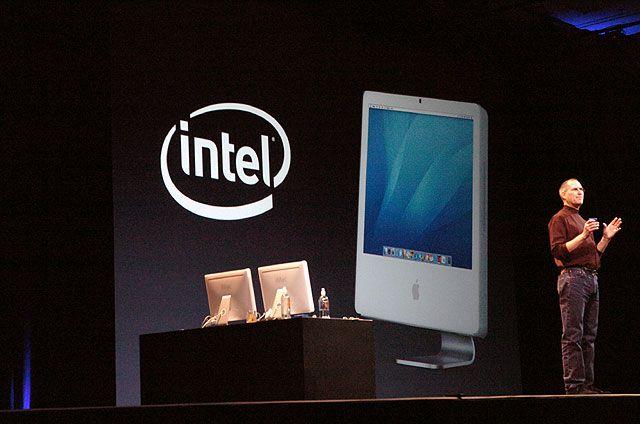 Steve Jobs erklärt die Zusammenarbeit von Apple und Intel