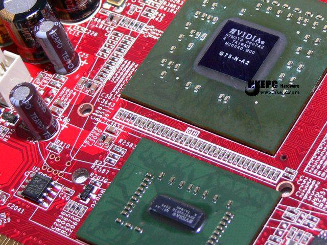 G73 Grafikchip und AGP Bridge-Chip