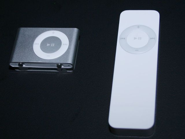 iPod shuffle: neues und altes Modell
