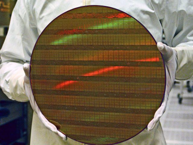 Wafer mit 45nm Prozessorkernen