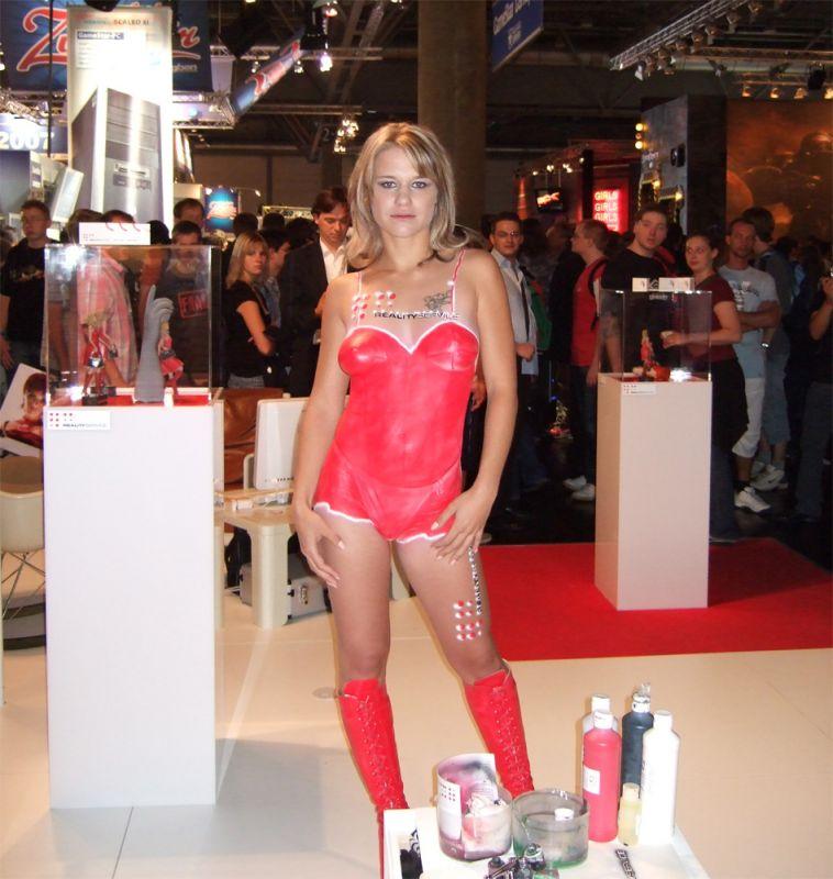 Haben nichts zum Anziehen, die armen Mädels in Leipzig