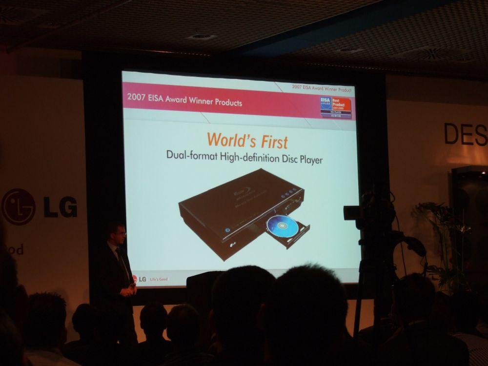 Eigentlich sollte das der erste Hybrid-HD-Player sein, dessen Verfügbarkeit angekündigt wird
