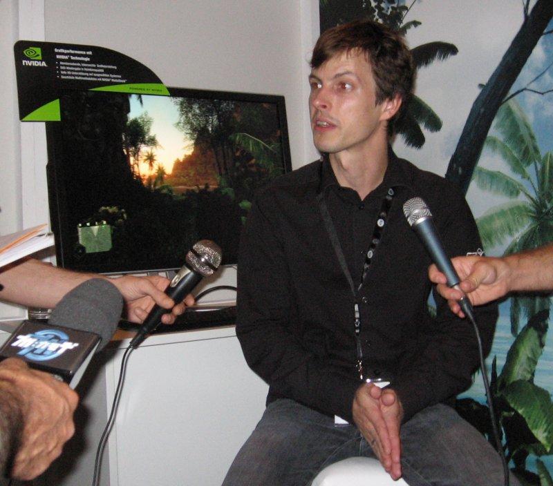Bernd Diemer von Crytek präsentiert Crysis auf der Games Convention 2007