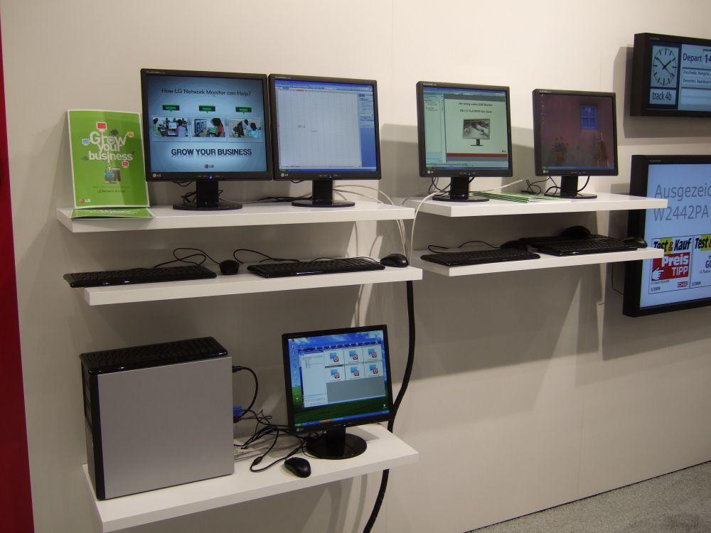 Vorserienmodell der N-Serie auf der CeBIT 2009