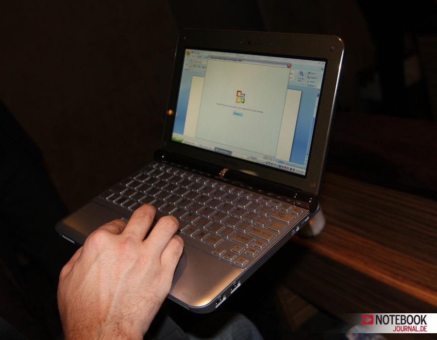 Toshiba NB200 Mini Notebook