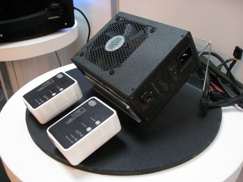 Cooler Master Power LAN 700W Netzteil und Powerline-Adapter