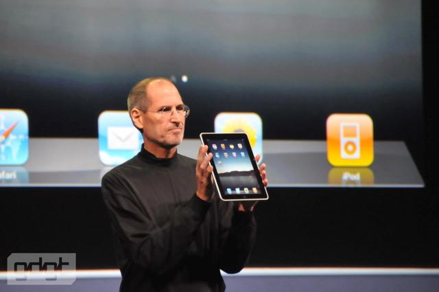 Steve Jobs präsentiert das iPad