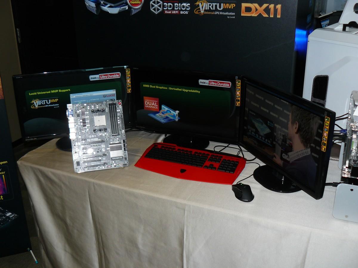 Gigabyte GA-F2A85X-UP4 in Aktion mit 3 Monitoren