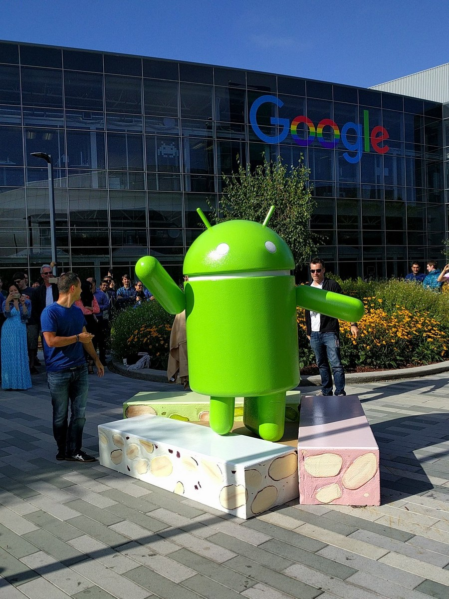 Neue Android-Statue bei Google