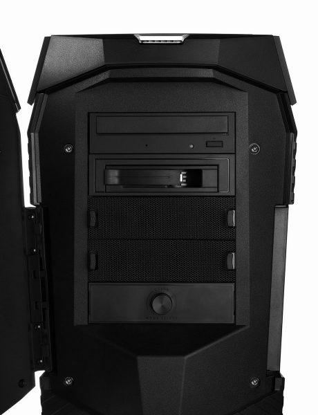 MEDION Erazor X7731 D Front offen