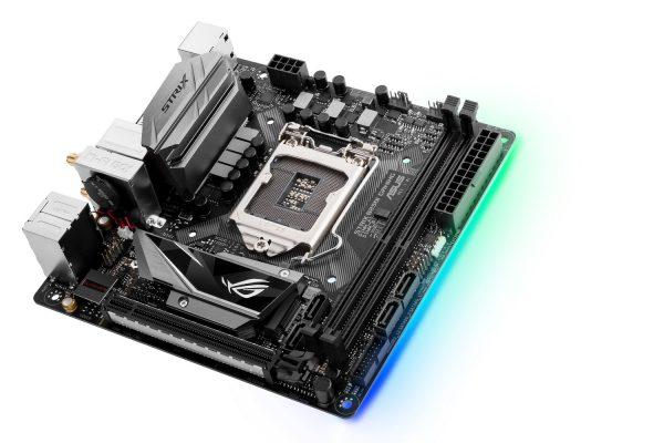 ASUS ROG Strix B250I Gaming Aura