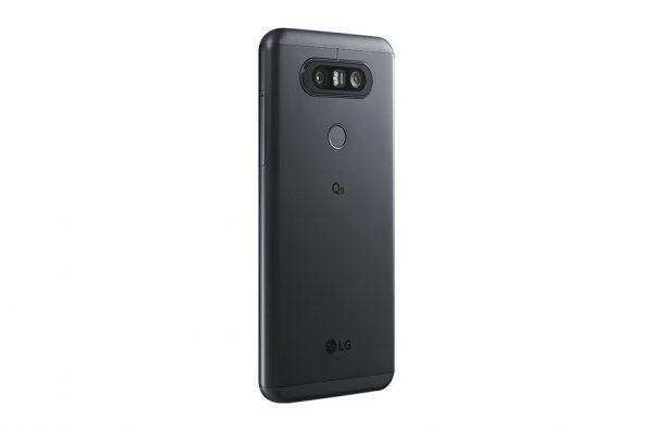 LG Q8 Hinten