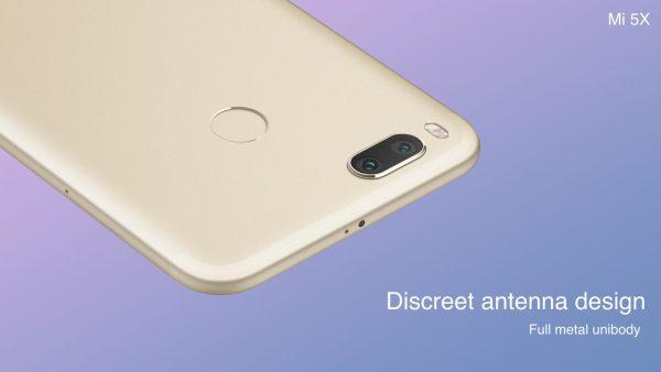 Xiaomi Mi 5X Discreet antenna design